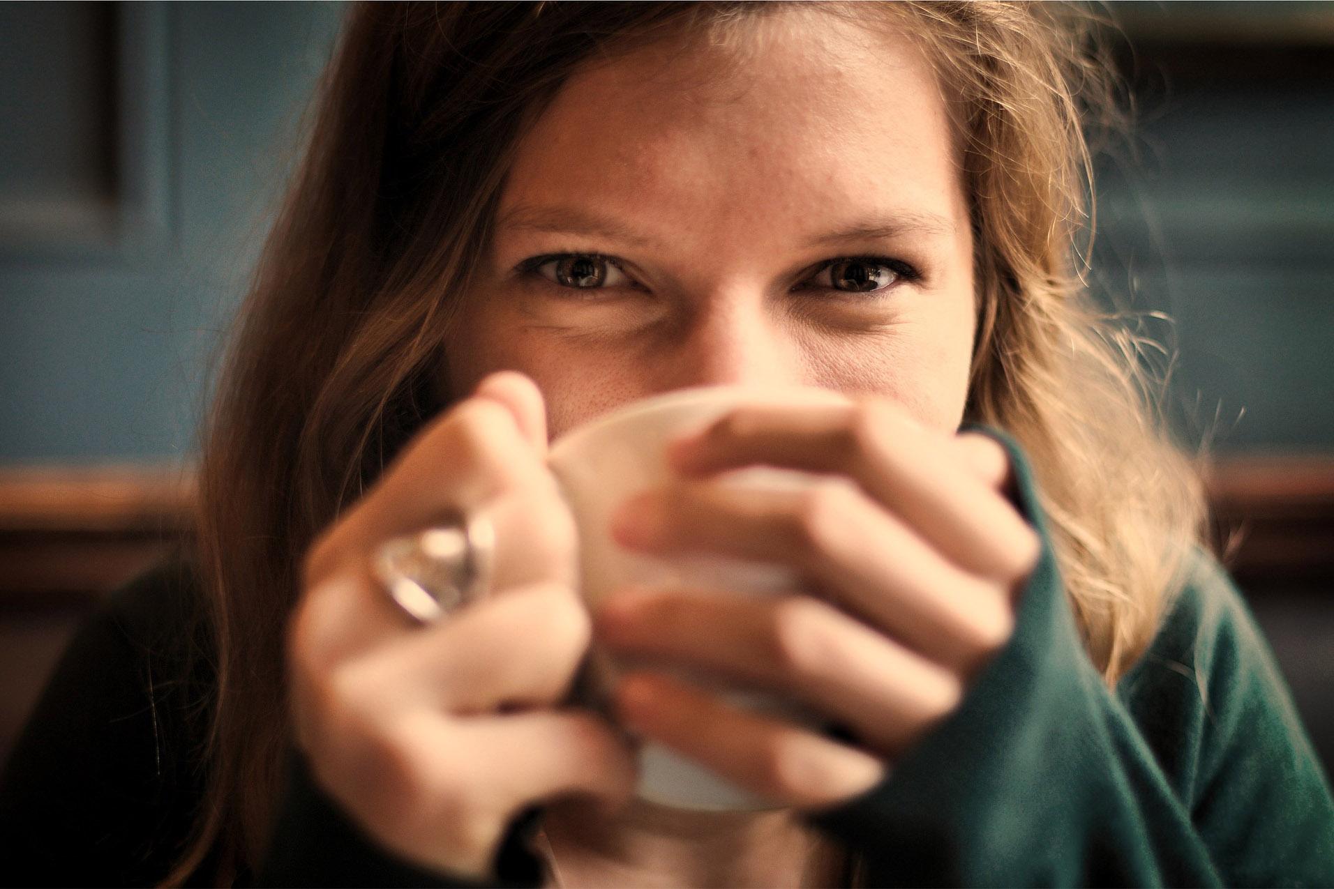 上班族喝茶好还是喝咖啡好?