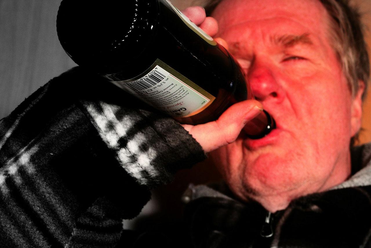喝酒脸红是正常?你还是戒了吧