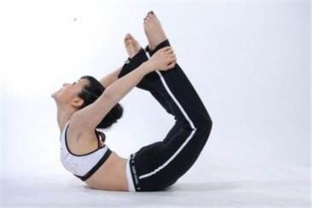 哪种瑜伽减肥效果好?这5个瑜伽动作学起来!