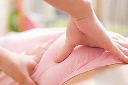 洗澡水温影响乳房状况,三个细节预防胸部下垂