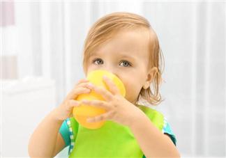 天气热要给宝宝每天喝多少水比较好?