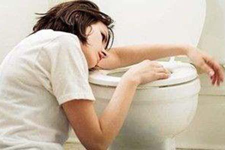 女人恶心呕吐可能有哪些原因?