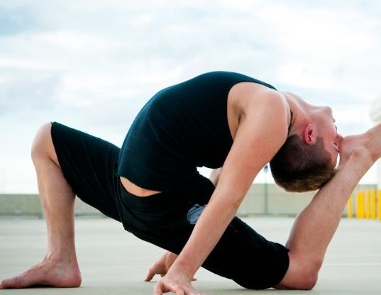 练瑜伽可对抗男性健康危机你知道吗?