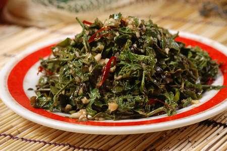 野菜怎么吃最好?最好烫过再凉拌!