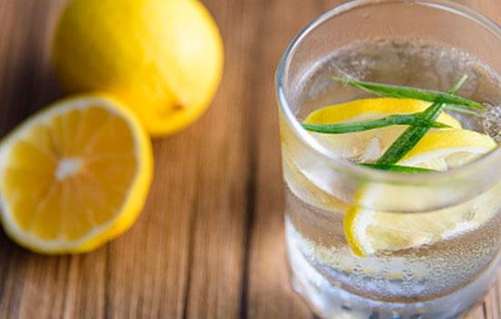 如何用柠檬水减肥和变白?你得知道方法!