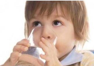 夏季如何给宝宝科学补水?