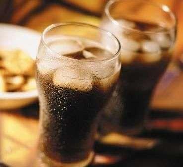 碳酸饮料对男女不同的这些影响你要清楚!