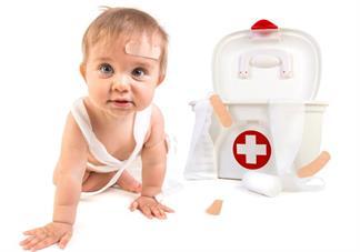 宝宝擦伤后应该怎么处理伤口?
