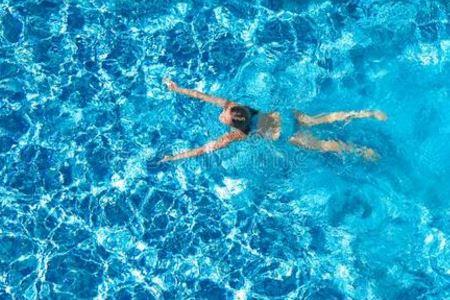 游泳后女人要怎么护肤?建议这样保养皮肤!