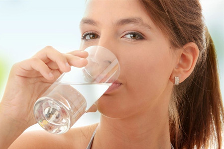 女人夏季必懂的4大保养皮肤方法!