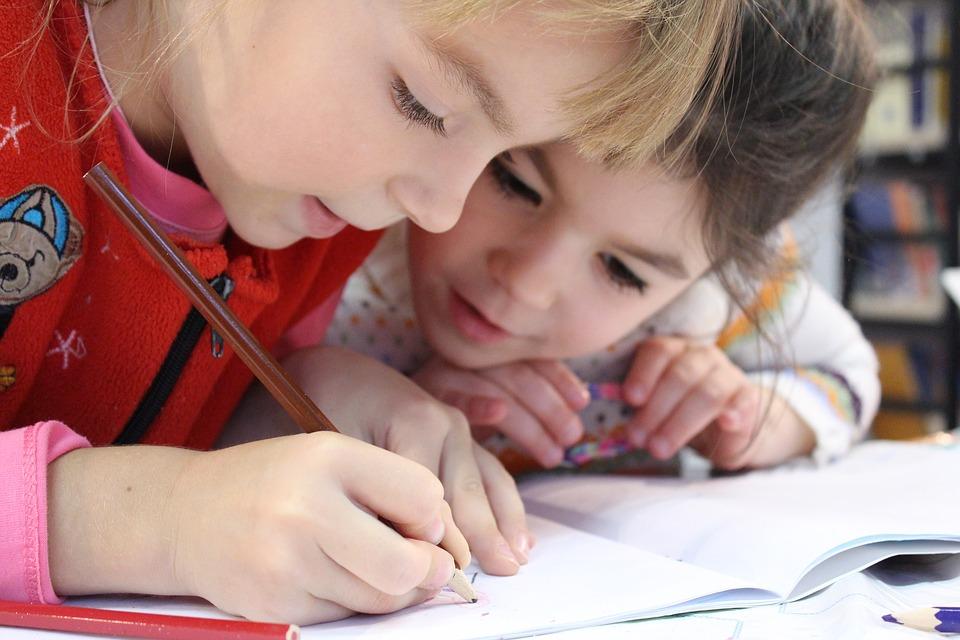你了解儿童发展吗,知道童年的年龄和阶段有哪些吗?