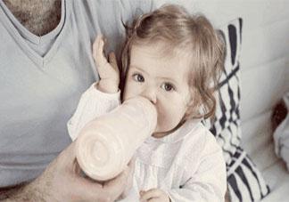 一岁左右的宝宝奶量大概是多少?
