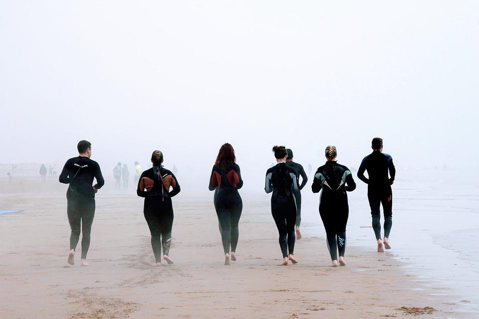 游泳消耗的热量多于跑步吗?
