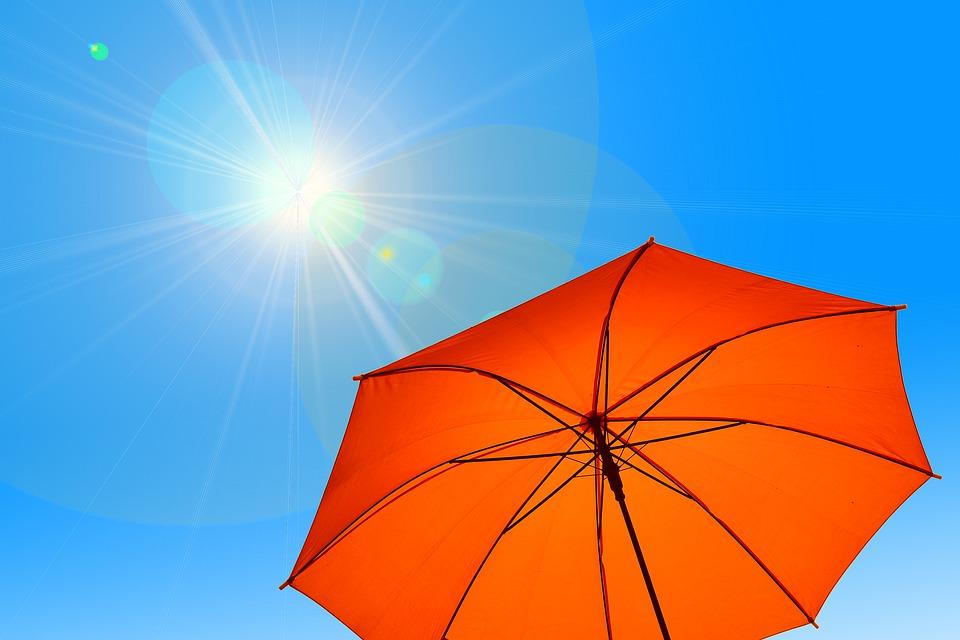 如何在阳光下免受紫外线的伤害?