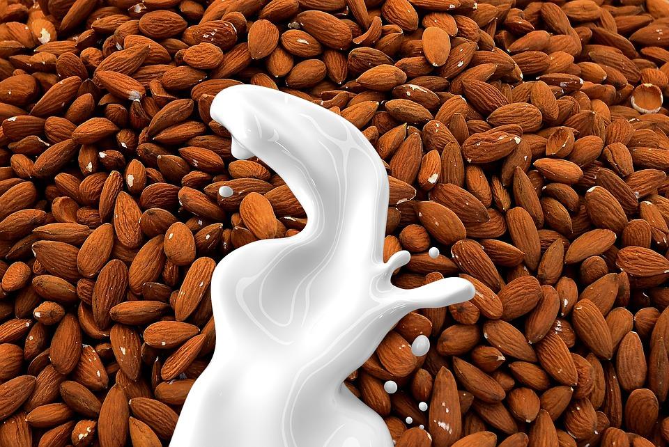 杏仁牛奶对婴儿的营养益处