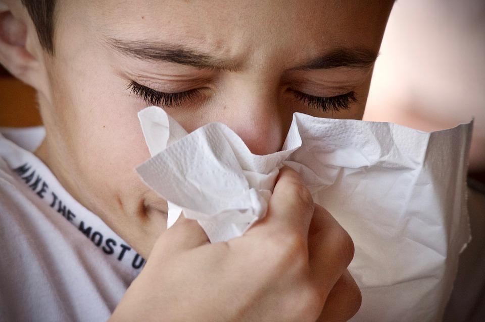 是什么引起干咳和胸痛的?