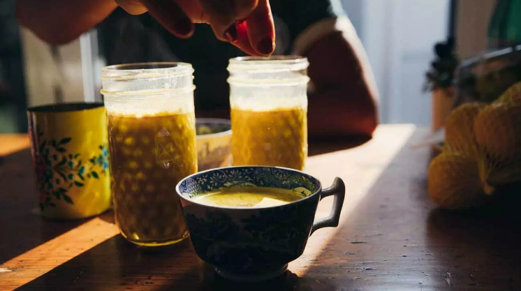 黄金牛奶的好处是什么,如何制作黄金牛奶?