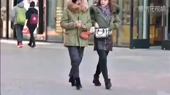 冬天不知如何搭配,看一下北京的小姐姐都穿着什么逛街